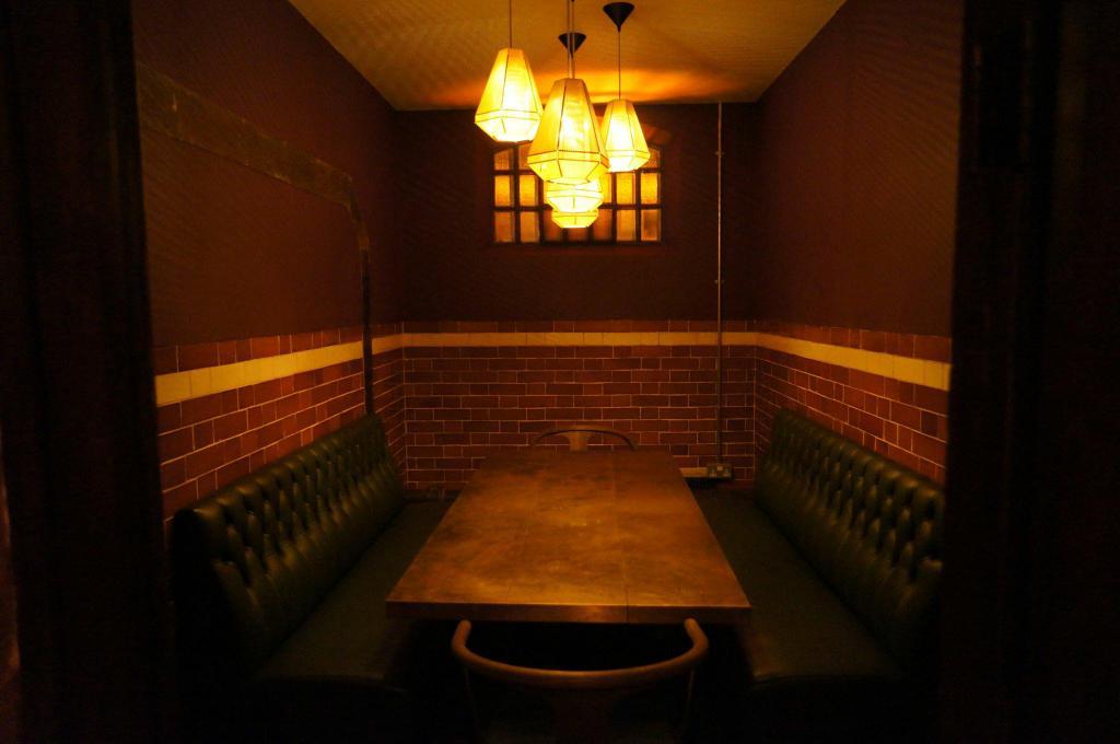 The Pound – Kent bar interior design and build professionals Image